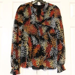 Anthro scrunchy floral top. Size Small EUC.